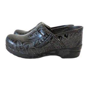 Dansko XP Womens Professional Floral Tooled Black Clogs Size 38